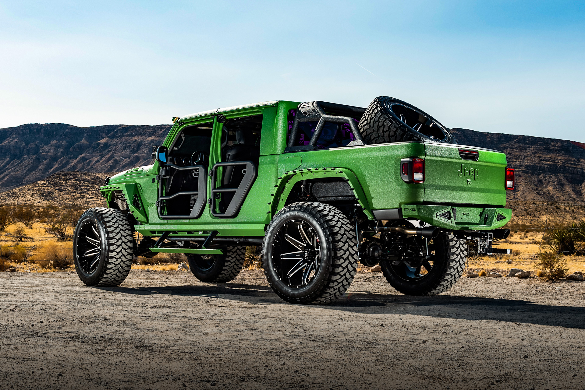 H502 PainKiller 24x14 Harådrock Offroad Wheels Lifted Jeep Gladiator SEMA 2019