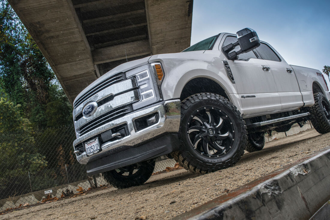 Hardrock 20x10 Devious Wheels on a White Ford F250