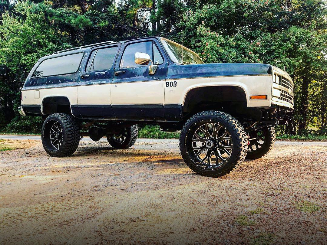 H504 Slammer 24x12 Chevrolet Suburban