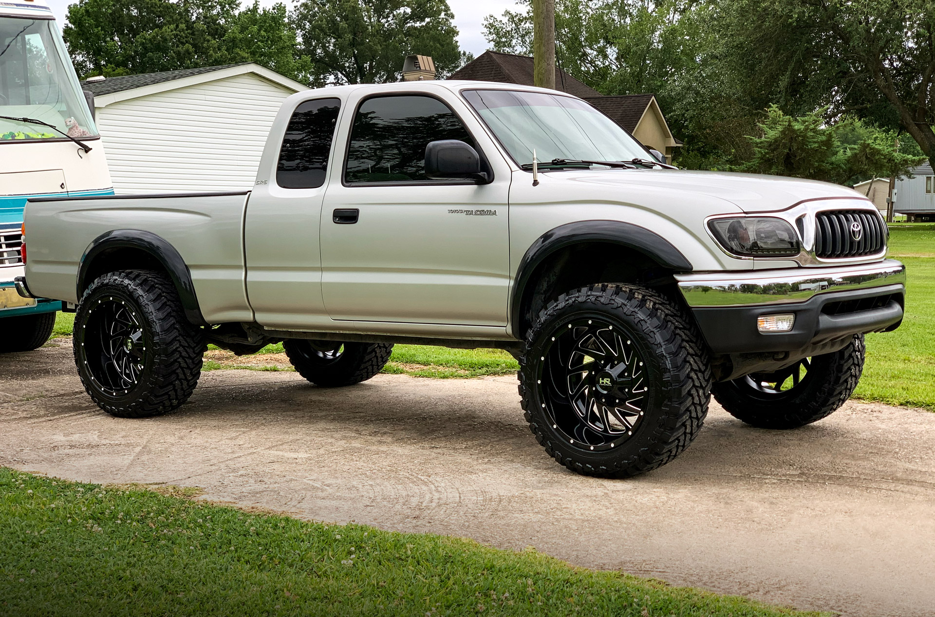 H704 Crusher 20x12 Lifted Toyota Tacoma